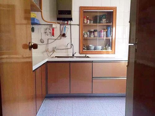 新装的橱柜,泡了一天的水,教授急得拿起电话☆⌒(*^-