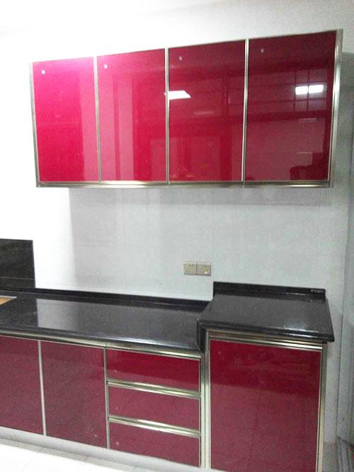 红与黑的经典搭配——益阳桃江杨总晶钢橱柜案例