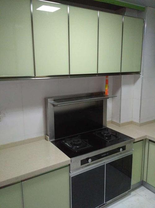谁看繁华,还我本质厨房——融圣国际晶钢橱柜改造