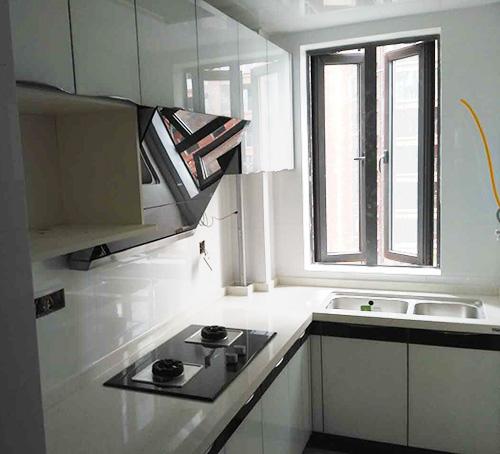 厨房、卫生间怎么装?风格一致才好看——半山一号彩晶厨房卫浴柜案例