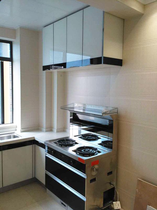 据说石材柜体和石英石台面最配哦——梦网景园厨房改造案例