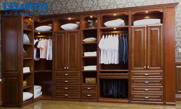 定制整体衣柜有方法 利百佳衣柜告诉您