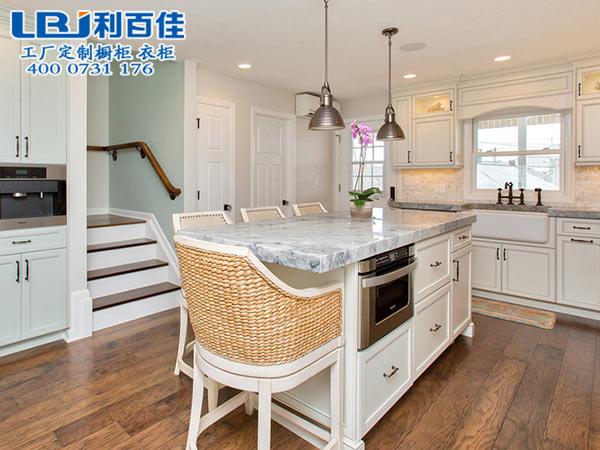 厨房改造如何挑选性能高的整体橱柜