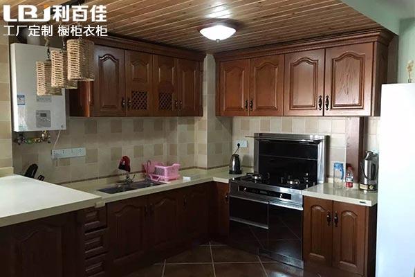 涨姿势:厨房装修时厨房橱柜定制是否需要到顶?