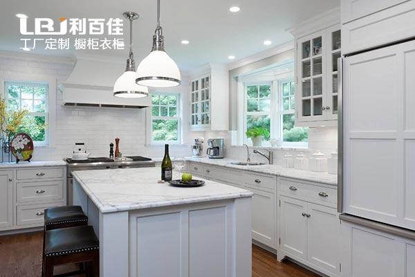 定制整体橱柜的2款系列,让厨房更清新!