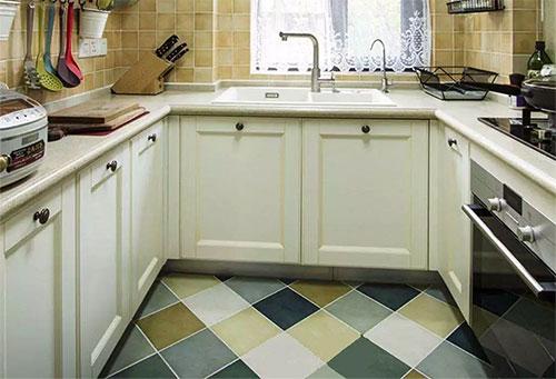 小厨房不用愁,U字型橱柜设计解决收纳问题