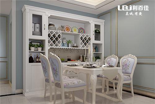 家里的餐厅这样装修设计,令人感到温馨和舒适