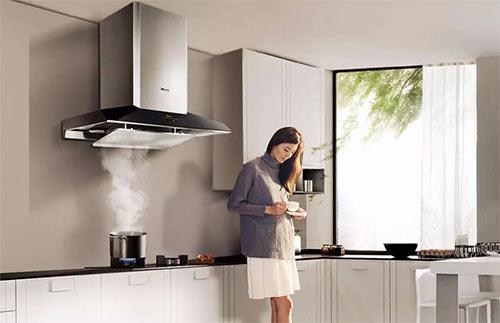理想的家庭厨房,更应是全家人的交流中心