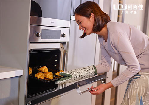家用厨房烤箱怎么选?这里有三点实用建议