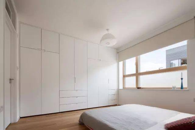 小户型空间不够?为何不试试入墙式整体定制衣柜?