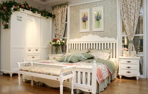 卧室整体定制衣柜的色彩搭配有哪些推荐?