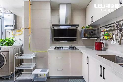 旧厨房改造案例,翻新后感觉空间大了一倍