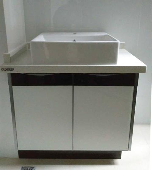 彩晶卫浴柜